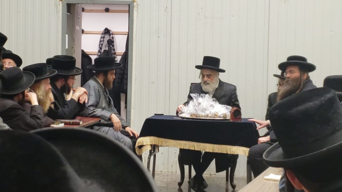 Orphan's of Project Buneinu Celebrated the First Day  of Chanukah with the Vizhnitz-Yerushalayim Rebbe